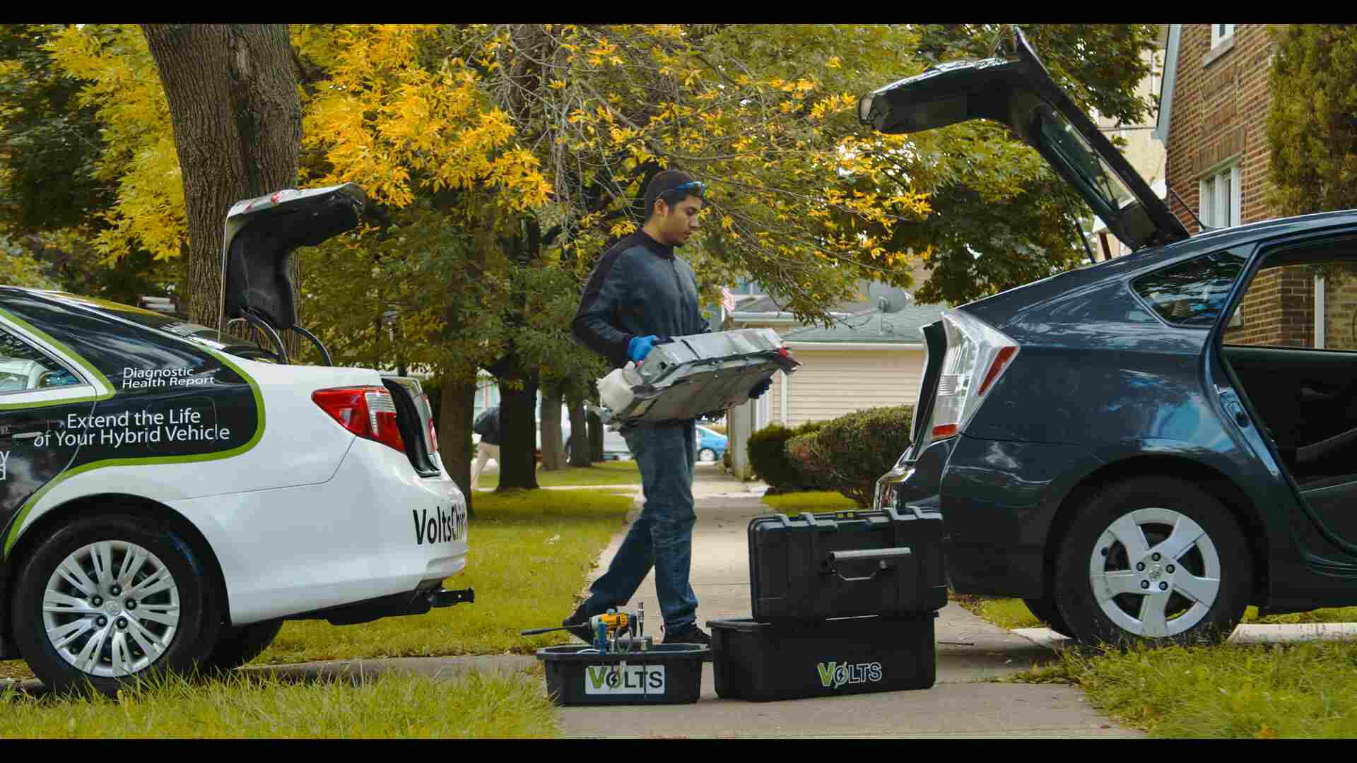 hybrid car battery replacement by Volts
